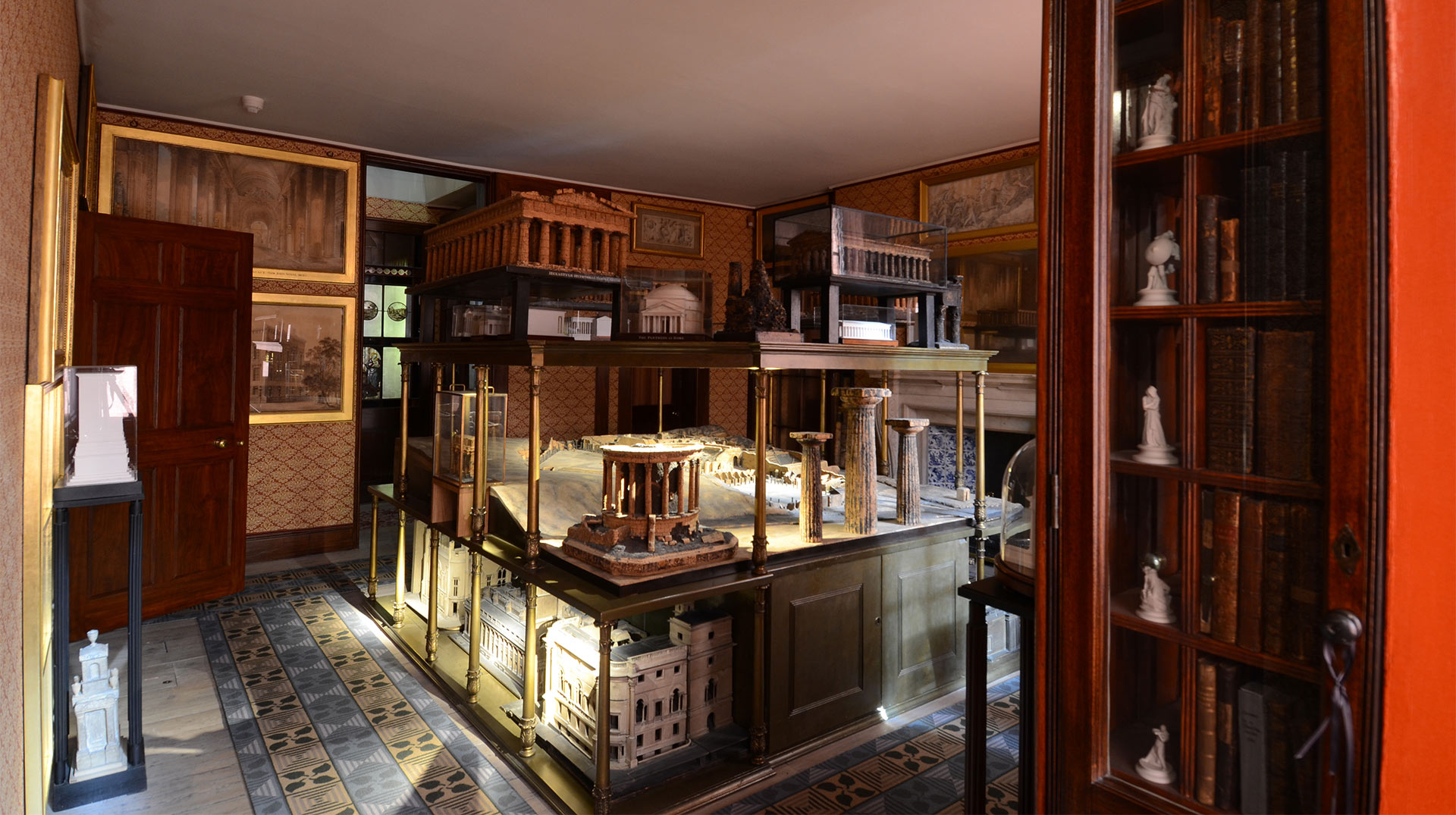 miniature variable beam spotlight illuminates soane museum. Black Bedroom Furniture Sets. Home Design Ideas